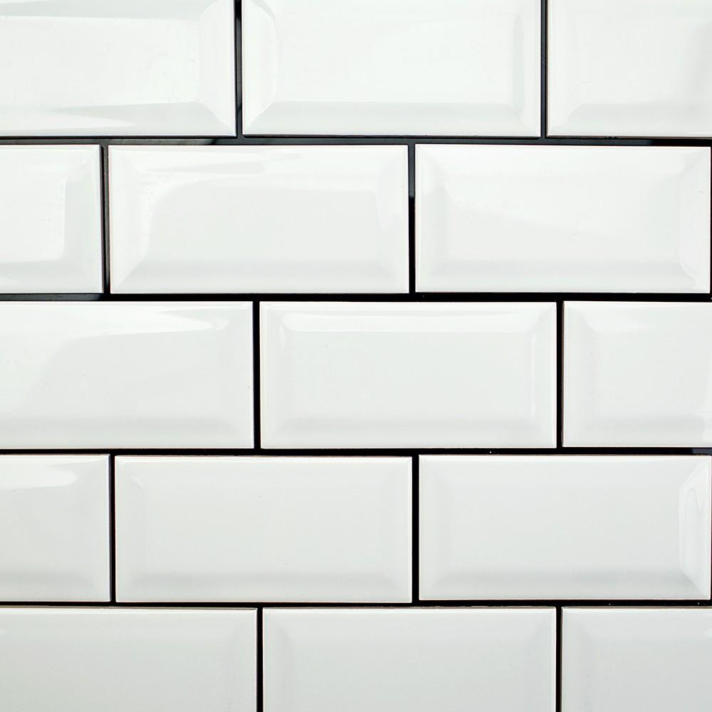Sb Black and white wall tiles kitchen
